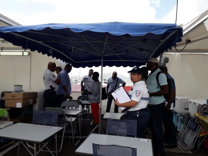 Les autorités contrôlent de près les marchands ambulants pendant le carnaval