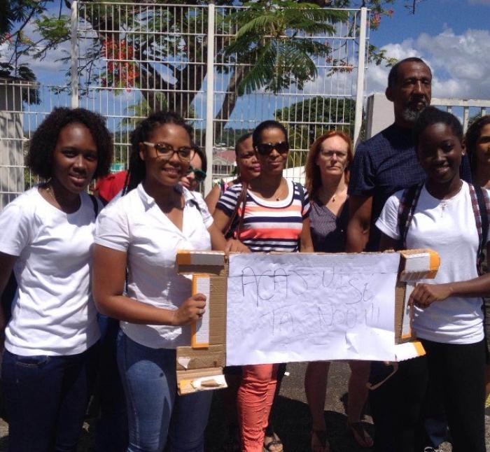Lycée Schoelcher : les élèves de lycée Acajou 1 se mobilisent
