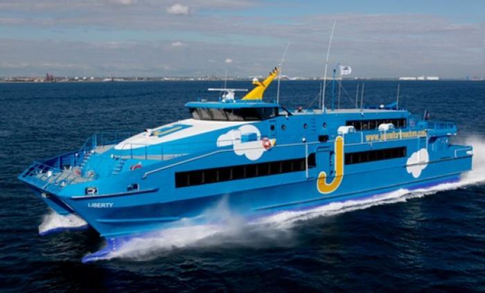 Marie-Galante : Le bateau Liberty heurte la jetée