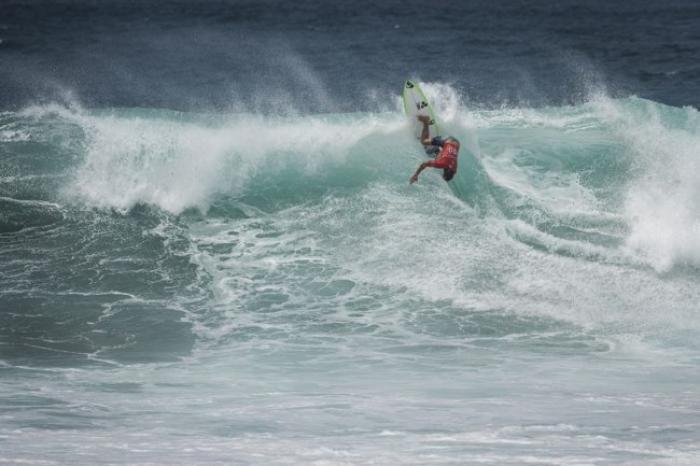 Martinique Surf Pro 2017 : Seize surfeurs en lice pour les 8èmes de finale qui ont débuté cet après-midi sur le spot de Basse-Pointe