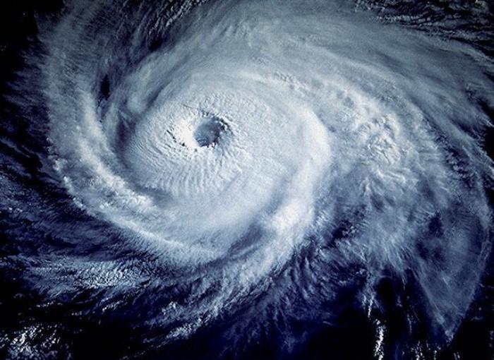 Saison cyclonique : services de l'État et collectivités se préparent