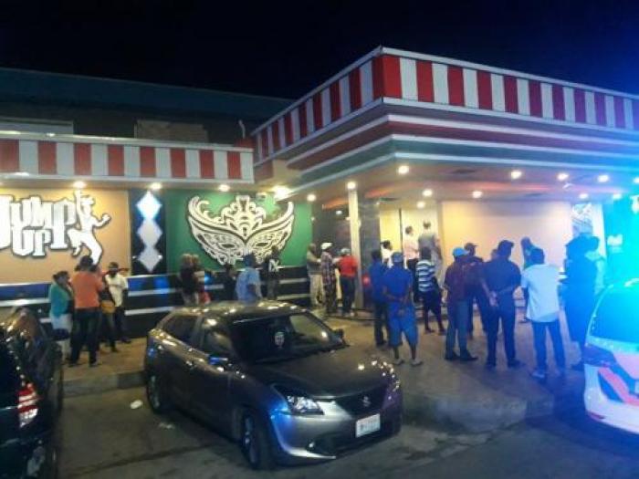 Sint-Maarten : un mort et deux blessés lors du braquage d'un casino