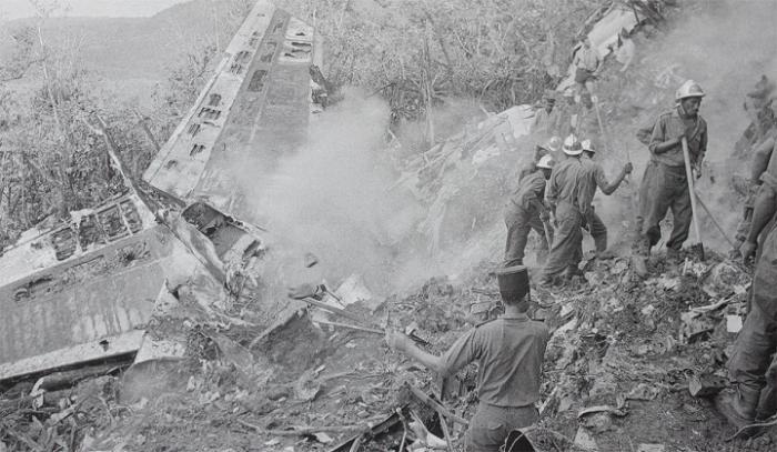 TRANCHES D'HISTOIRES : le crash de 1962 à Deshaies