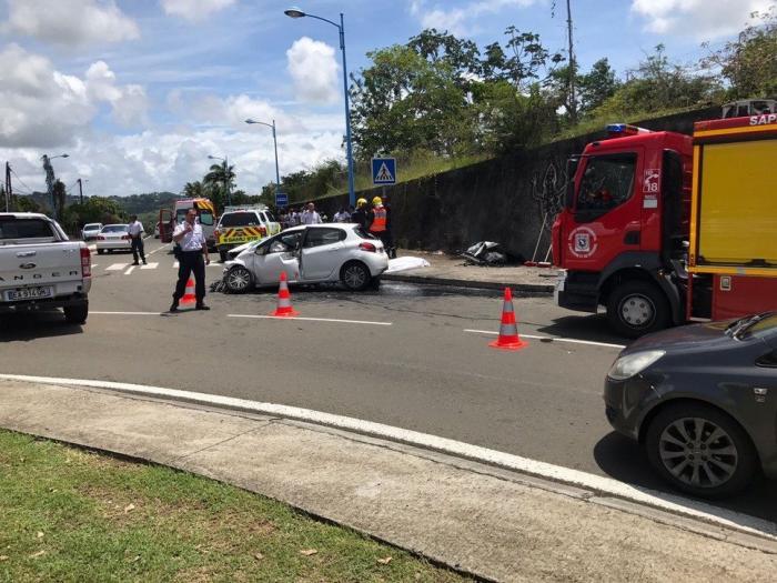 Un automobiliste trouve la mort au volant de sa voiture ce dimanche au Lamentin