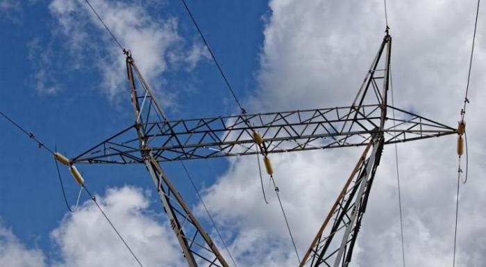 Un coup de vent prive d'électricité des centaines de foyers du sud Atlantique