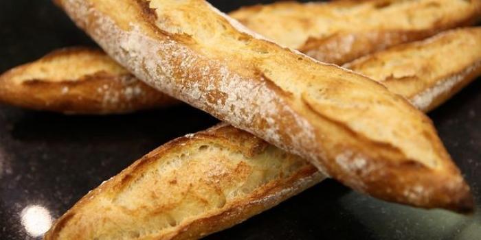 Une boulangerie des Abymes fixe le prix de la baguette à soixante-dix centimes
